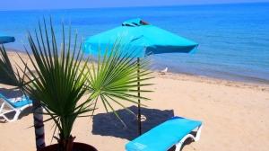шезлонги Бяла плаж